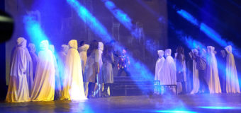 """Представлението на рок операта """"Нострадамус"""" в Античния театър се мести в Палата №2 на Пловдивския панаир"""