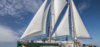 Ветроходът Rainbow Warrior на Грийнпийс пристига в България