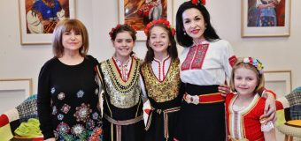 Дили Бозаджиева представи уникален спектакъл
