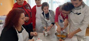 Заместник кметът на Столична община Албена Атанасова участва в състезание за приготвяне на баница с късмети