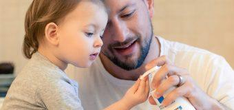 БАЩИТЕ-ГЕРОИ ЗНАЯТ КОИ ПРОДУКТИ ЗА ГРИЖА ЗА ДЕТСКАТА КОЖА НАЙ-ДОБРЕ ПРЕДПАЗВАТ ДЕЦАТА ИМ